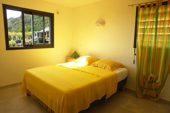 Seasonal bungalow rental with Swimming pool in Reunion Island. Pluie d'Or Bungalow.