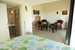 Meal area. Seasonal holiday rental. Bungalow rental in Reunion Island.